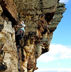 Gill on Fertility Left - her first HS onsight lead (Masa Sakano) Tags: climber climbing elgol fertilityleft highland isleofskye sandstone scotland suidhebiorach trad
