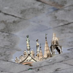 Metafisico (mikael_on_flickr) Tags: metaafisico metaphysical metafysisk spejling riflesso reflection pozzanghera puddle basilicasanmarco venezia italia italien italy