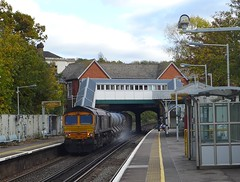 66726 'Sheffield Wednesday', Gipsy Hill (looper23) Tags: 66726 3w90 class 66 gipsy hill rhtt london rail railway train november 2016