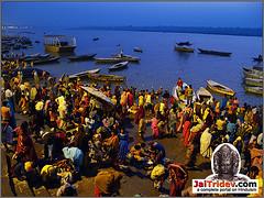 Varanasi / Benaras / Kashi, Uttar Pradesh, India. (Surinder Singh, Delhi, India SinghStyleStudio.com) Tags: varanasi benaras banaras kashi india ganga uttarpradesh     holybath hinduism hindu hindi photographer photographe valokuvaaja fotograf fotograaf fotgrafo fotisto fotografer fotografo  hind hindia hindio barato hindistan   inde indi lndia  inda ndia  inda indi indien indija  indiska indiya   lindja indland indo   indoeti  indya indye  intia inthya