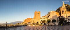 Piazza IX. Aprile at sunrise (dieLeuchtturms) Tags: 21x9 235x100 7x3 panorama taormina sicilia italien