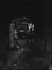 (Christian Güttner) Tags: volvo volvo940 blackandwhite bw bil czarnobiale car samochód monochrome moerschecodeveloper analog analogue film ilford ilfordhp5 schwarzweis schwarzweisfotografie sw svartvitt tyskland ricoh ricohkr10 europa 35mm outdoor ecodeveloper old germany niemcy auto classicvolvo technik fahrzeug