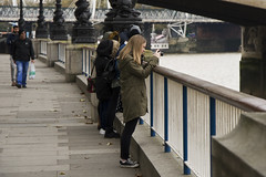 Click (Arend Jan Wonink) Tags: thames london londen streetphotography candid streetphotograph straatplaat greatbritain uk