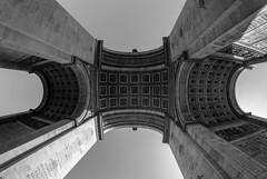 Arco de Triunfo / Arch of triumph /Arc de Triomphe (PrimiFer) Tags: arco de triunfo arch triumph arc triomphe paris francia nikon byn bw gran angular 8mm
