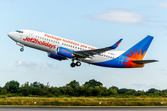 G-GDFO (J o n a t h a n P a l o m b o |P h o t o g r a p y) Tags: man boeing 737 manchesterairport jet2 ggdfo