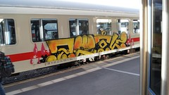 Graffiti (Honig&Teer) Tags: graffiti honigteer hannover hbf hauptbahnhof spraycanart sport steel train treno traingraffiti trainart eisenbahngraffiti