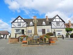 Bidford on Avon War Memorial, Warwickshire, Sep 2016 (allanmaciver) Tags: bidfird avon warwickshire war memorial lloyds bank stlye architecture central tudor 1914 1919 1939 1945