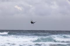 Kitesurf en Atxabiribil, Sopelana (Alfredo.Ruiz) Tags: atxabiribil bizkaia sopelana beach clouds foam landscape ocean sand sea spain wind waves