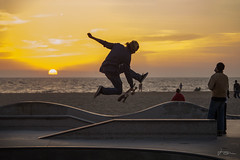 Downtiming the Night Side (JKG II) Tags: skate skateboarding lostangeles venice beach california decks wheels grind thrash sun sky high concrete sand beauty poetry motion action line carve path kids stunts life paradise cool awesome amazing