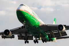 B-16412 (TommyYeung) Tags: taiwan taoyuan taoyuanairport      taipei  evaair boeing 747 boeing747 boeing74745e b16412 tpe rctp landing jumbo queenoftheskies 744 747400  747 transport aircraft airplane airbus aeroplane aviation