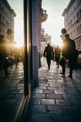 Sunshine street (mripp) Tags: wien vienna street strase sterreich austria sun sunset contra gegenlicht people urban city stadt walking art kunst heritage kulturerbe unescowelterbe culture kultur history retro vintage