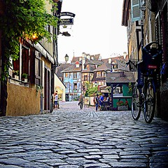 paving of old Colmar (mujepa) Tags: paving pavingstones halftimbered houses oldtown littlevenice colmar bicycle bicyclette pavs maisons colombages petitevenise