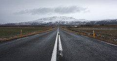 (mauriceelsbernd) Tags: iceland road sky mountain cloud clouds symmetrie symmetry