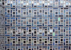 Two Runaways (dolorix) Tags: dolorix fenster window architektur architecture kln cologne runaways ausreisser