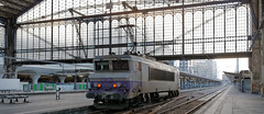 [FR-SNCF] BB 7391 repart Haut-Le-Pied (HLP) vers les garages aprs un service IC (ou ICN) @Gare de Paris Austerlitz 19/11/2016 DSC_6509_DxO (yael.flament1) Tags: paris sncf gare dausterlitz railway railstation bb7200 bb7391 bb 7200 7391 hlp manoeuvre garage verrire haut le pied