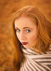 Herbstlicht (ThUL_Photographie) Tags: female autumn redhair girl portrait herbst portrt modelling people fashion outdoor menschen 2016 pia redlips model