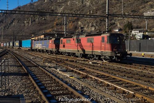 """SBB CFF FFS Re 420 327-9 + Re620 069-5 """"Hägendorf"""""""