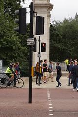 Znak dla pieszych | Sign for pedestrians