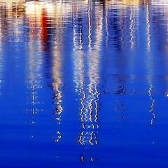 Amantes (Helena de Riquer) Tags: mar sea mare marcantábrico mer reflejos reflexes reflections reflex reflet reflection getaria guipúzcoa guipuzkoa euskadi paísvasco abstracte abstrac abstracto abstract abstraite abstrato abstraction abstracción getariakoudala guetaria urolacosta aigua agua água aqua water eau 2015 helenaderiquer sony sonydsch20 carlzeiss flickr