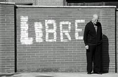 at last i am free   b/w (adrizufe) Tags: bw wall nikon free oldman bn bizkaia libre basquecountry zaldibar nikonstunninggallery aplusphoto d7000 adrizufe