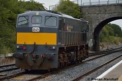071 runs round at Kildare, 18/9/15 (hurricanemk1c) Tags: irish train gm rail railway trains railways irishrail kildare generalmotors 2015 emd 071 iarnród éireann iarnródéireann ladentimber 1150claremorriswaterford