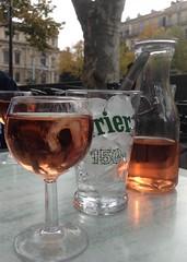 votre sant (Micheo) Tags: marsella marseilles marseille rosado ros terraza mesa vino wine bebida descanso pausa rest