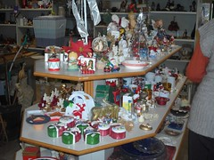 """mercatino straordinario dicembre 2015 preparazione  (6) • <a style=""""font-size:0.8em;"""" href=""""http://www.flickr.com/photos/127091789@N04/22885142274/"""" target=""""_blank"""">View on Flickr</a>"""