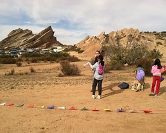 026 Waiting For The Rest Of The Group (saschmitz_earthlink_net) Tags: california parkinglot finish orienteering participant rockformation aguadulce vasquezrocks losangelescounty 2015 laoc losangelesorienteeringclub
