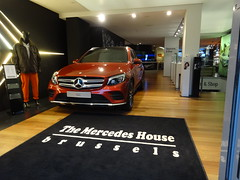 Brussels: Mercedes House (harry_nl) Tags: belgium belgique belgi bruxelles mercedesbenz brussel glc 2015 mercedeshouse