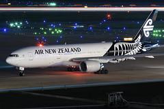 ZK-OKA-Air-New-Zealand-777-200ER-IAH-2016-10-08 (GFB Aviation Photography) Tags: zkoka airnewzealand 777 777200er iah kiah aviation airplane lightstream