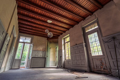 (MichaWha) Tags: france michaelflocco canoneos6d 1740mmf4lusm wideangle hdr urbex urbanexploration abandoned house mansion interior