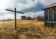 Built on Faith (Pat Kavanagh) Tags: prairies prairie homestead farm barns alberta canada bowisland cross jesus faith god clothesline