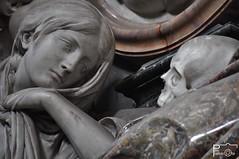 Der Tod und das Mdchen (Pau Pumarola) Tags: tod mdchen donzella mort muerte doncella jeunefille death maiden escultura sculpture skulptur tomba tumba tombe grab grave