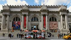 A Sidewalk Story (Eddie C3) Tags: newyorkcity fifthavenue metropolitanmuseumofart museummile architecture richardmorrishunt charlesfollenmckim mckimmeadandwhite streetscenes museums