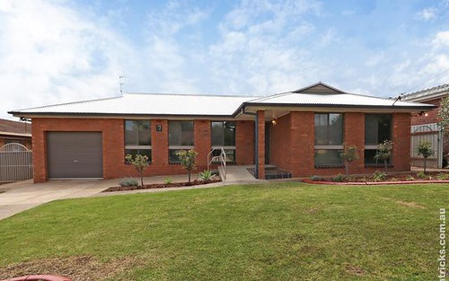 7 Ries Crescent, Tolland NSW 2650