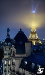 Misty (A.G. Photographe) Tags: anto antoxiii xiii ag agphotographe paris parisien parisian france french franais europe capitale haussmann toureiffel eiffeltower myst brouillard brume d810 nikon nikkor 2470 rayon raylight