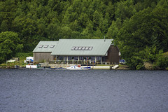 Loch Venachar Boat House (colderby) Tags: scotland nikon sterling loch callander 80400mm lomand venachar