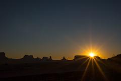 Utah - Monument Valley Sunrise (s t e f a n ~ l) Tags: sunrise utah monumentvalley