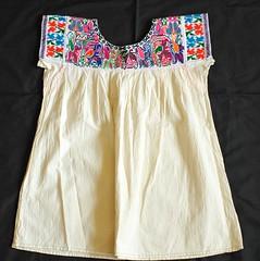 Zapotec Blouse Oaxaca Mexico (Teyacapan) Tags: clothing embroidery mexican textiles indigenous bordados oaxacan blusa zapoteca sanlorenzotexmelucan