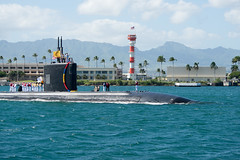 151028-N-CB621-005 (U.S. Pacific Fleet) Tags: hawaii us unitedstates events homecoming pearlharbor arrival usssantafe ssn763