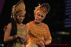 oh my darling (tomzcafe) Tags: nikon singapore esplanade dancefestival d90 zoomnikon351353545 makyongmalaysia