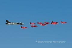 VULCAN-B2-(G-VLCN)-XH558-HAWK-T1s-RAD-ARROWS-19-7-15-RAF-FAIRFORD-RIAT-15-(1) (Benn P George Photography) Tags: b2 vulcan redarrows raffairford xh558 19715 gvlcn benngeorgephotography riat15