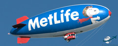 MetLife Blimp (aircraftvideos) Tags: california airplane airport traffic angeles aircraft aviation airbus a380 aca boeing asa lax 707 ac americanairlines 777 lufthansa aa 747 a330 757 airliner a340 767 721 737 a320 aal alaskaairlines 727 733 773 aircanada a319 a321 789 787 772 744 a300 losangelesinternationalairport 722 a318 a333 748 734 a332 764 738 klax 762 763 74f 77f 788 avgeek as 77w 77l a388 77e 748i avhooker