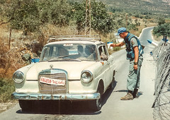 Checkpoint Bear (Normann Photography) Tags: lebanon soldier taxi mercedesbenz syria 1992 cp peacecorps forsvaret checkpoint  libanon nabatieh unifil hasbaya fntjeneste kaoukaba unservice libbaya 1992 1992