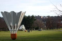 Shuttlecocks (Mike Dargy Photography) Tags: sculpture kansascity sculpturegarden nelsonatkins shuttlecock nelsonatkinsmuseumofart shuttlecocks