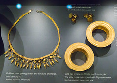 SCE_3608 (staneastwood) Tags: museum gold necklace oxford artifact artifacts jewellry ashmolean ashmoleanmuseum hairornament hairring staneastwood stanleyeastwood