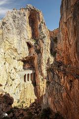 Caminito del Rey XI (Jose Peral Merino) Tags: caminitodelrey desfiladerodelosgaitanes mlaga andaluca puente pasarela rio desfiladero rocas ferrocarril