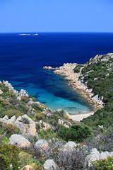 La baie des Brigans (stephaneallain) Tags: mer plage baie bleu turquoise eau sardaigne archipel maddalena italie