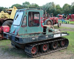 Garron crawler tractor (Nivek.Old.Gold) Tags: garron crawler tractor cheffins