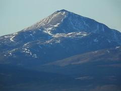 the call of distant mountains 02 (byronv2) Tags: mountain mountains hills geology scotland benlomond snow landscape sunlight sunshine sunny winter countryside rural beinnlaomainn munro trossachs nationalpark lochlomondandtrossachsnationalpark campsiehills
